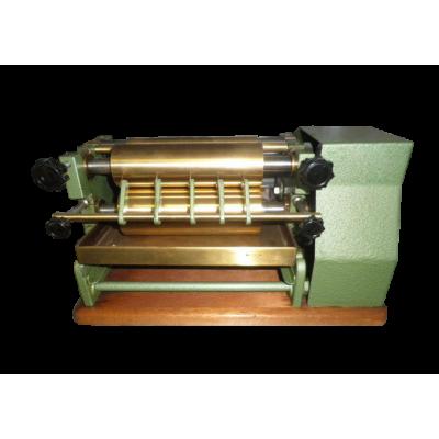 Клеемазательная машина Roland 250